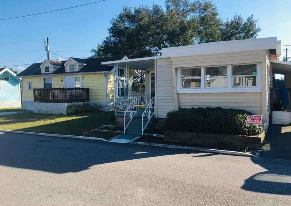 Mobile Home in Florida - Hillcrest